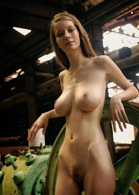 fille rousse nue escort girl antibes