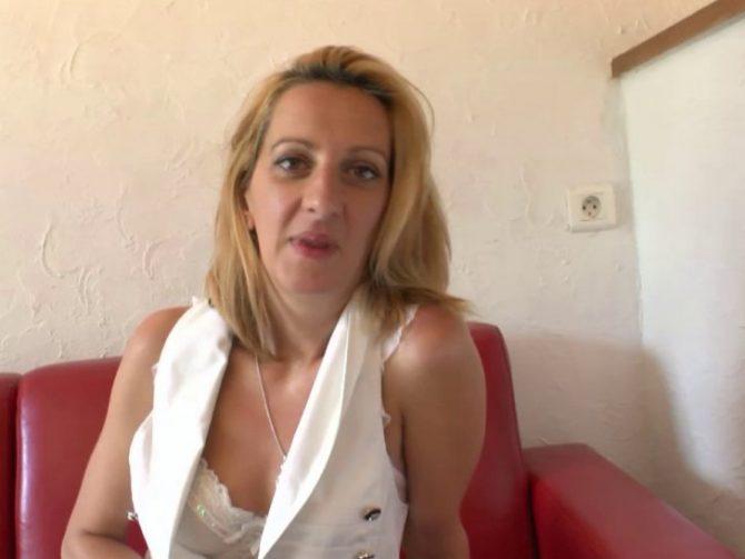 Louise du Lac, femme mure française fan de sexe anal