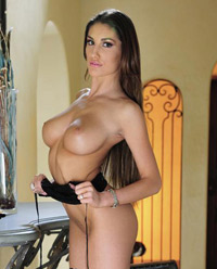 August Ames sexy et hot pour Twistys