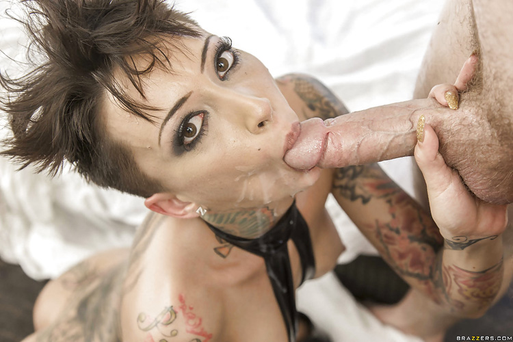 Bella Bellz sodomie Big Wet Butts 19