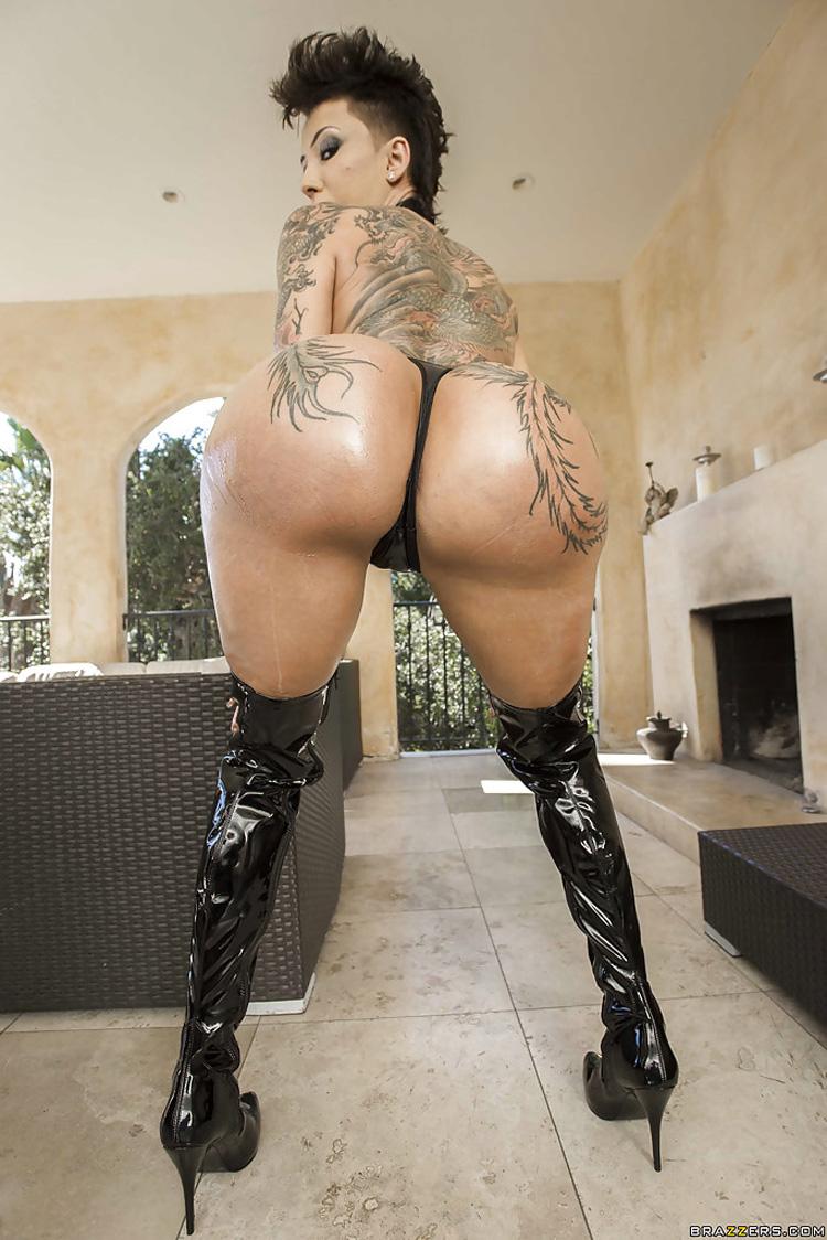 Bella Bellz sodomie Big Wet Butts 3