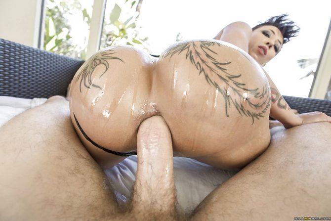 Bella Bellz putain de sodomie – Big Wet Butts