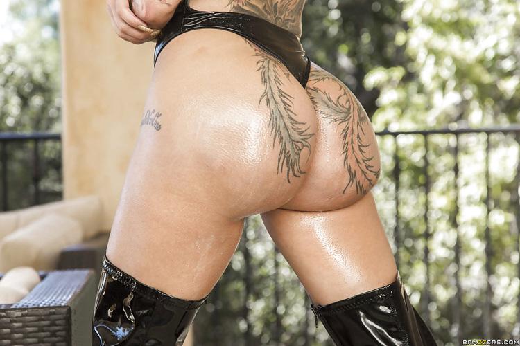 Bella Bellz sodomie Big Wet Butts 5