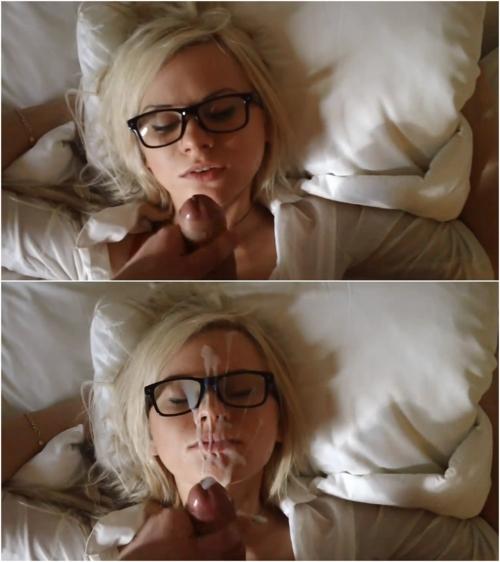 Camille, blonde hipster prend une éjac faciale