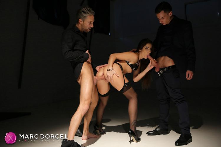 Clea Gaultier double pénétration Dorcel 9