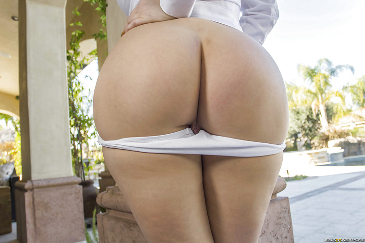 Kagney Linn Karter At Home Booty Big Wet Butts 11