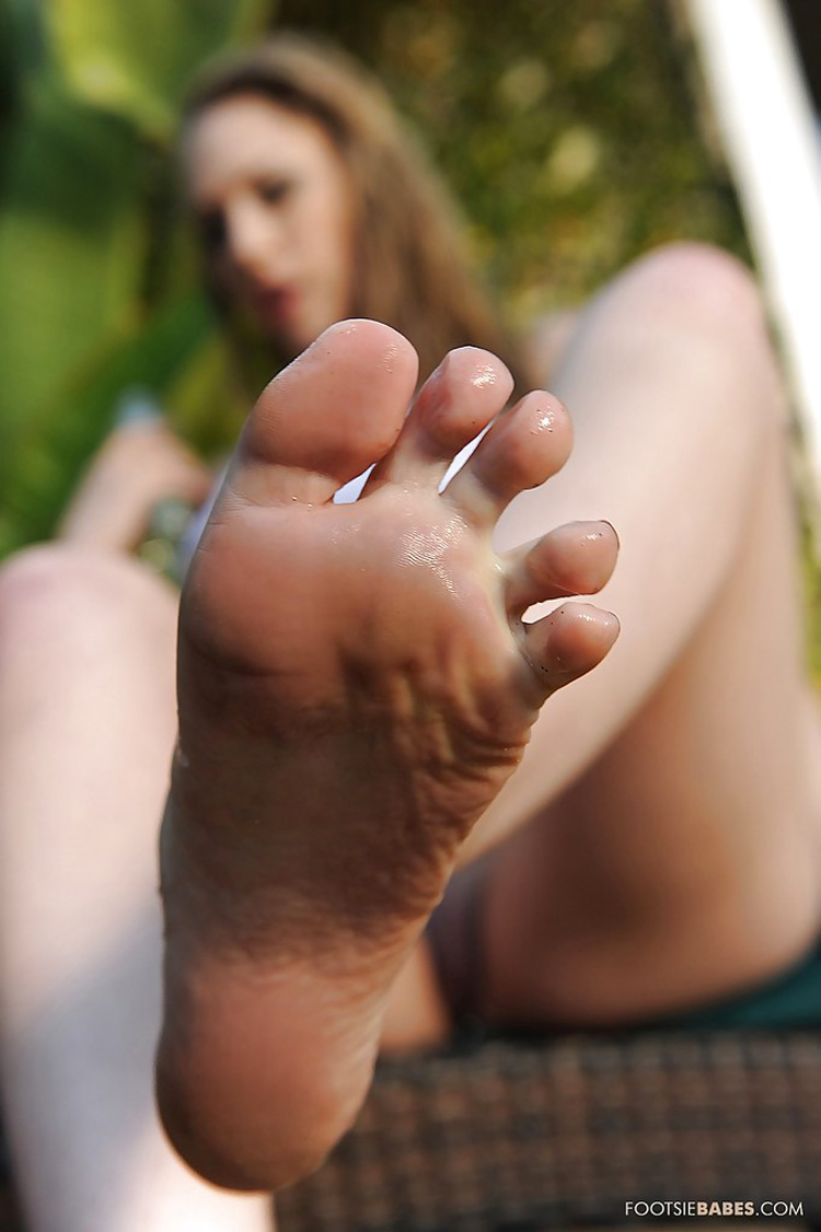 Kagney Linn Karter Footsie Babes 12