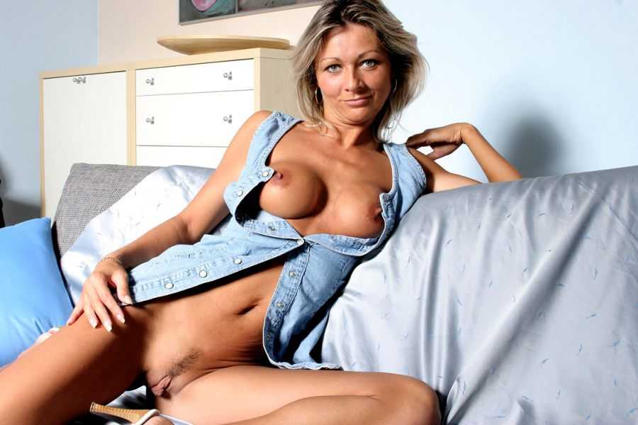 Sexy blonde milf cougar pay the debt top milf