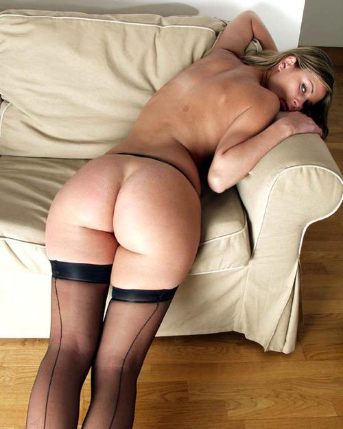 Linda, tchèque sexy aux fesses pulpeuses