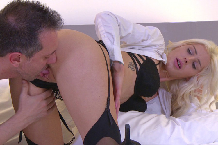 Mandy hotesse sexy anal Jacquie et Michel 8