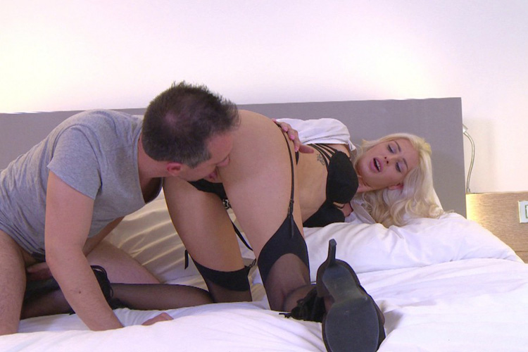 Mandy hotesse sexy anal Jacquie et Michel 9