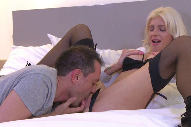 Mandy hotesse sexy anal Jacquie et Michel 11