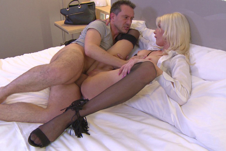Mandy hotesse sexy anal Jacquie et Michel 13
