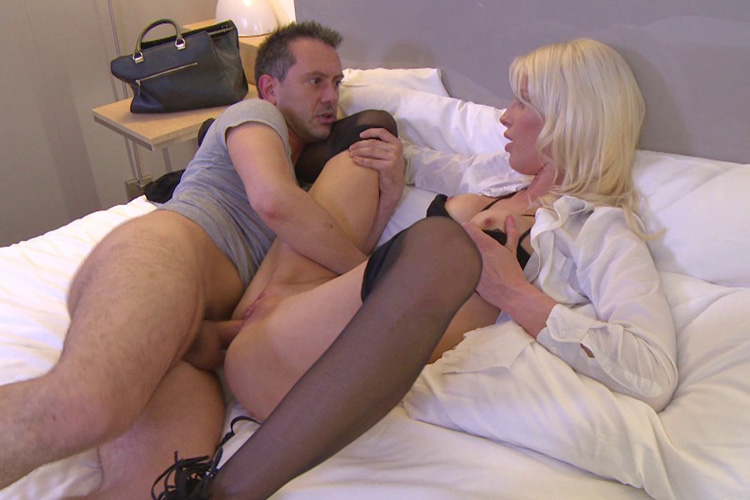 Mandy hotesse sexy anal Jacquie et Michel 14