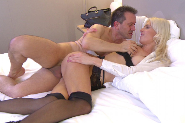 Mandy hotesse sexy anal Jacquie et Michel 18