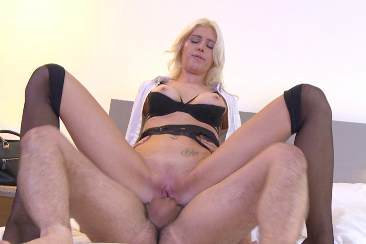 Mandy hotesse sexy anal Jacquie et Michel 19