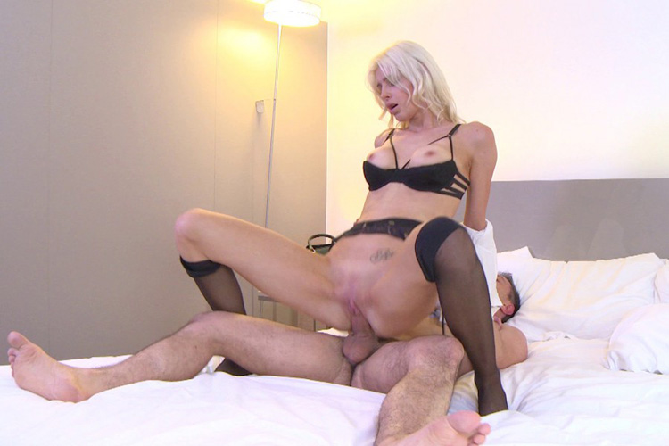 Mandy hotesse sexy anal Jacquie et Michel 21