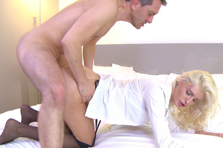 Mandy hotesse sexy anal Jacquie et Michel 23