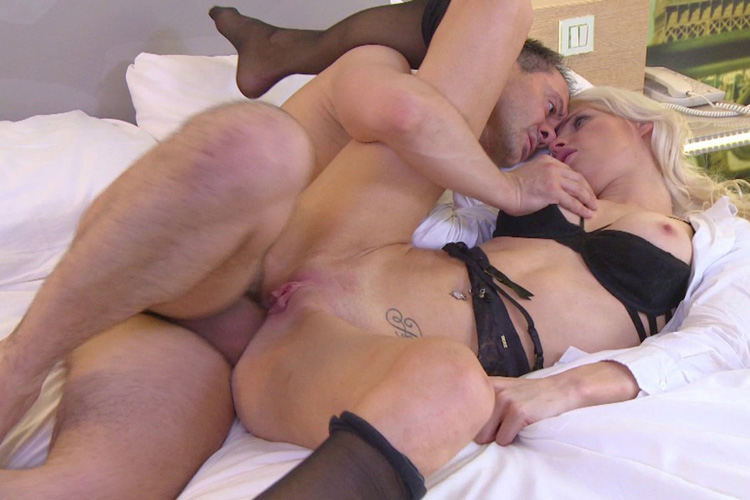 Mandy hotesse sexy anal Jacquie et Michel 27