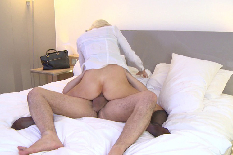 Mandy hotesse sexy anal Jacquie et Michel 28