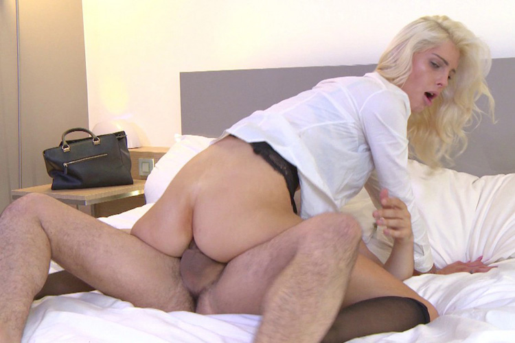Mandy hotesse sexy anal Jacquie et Michel 30