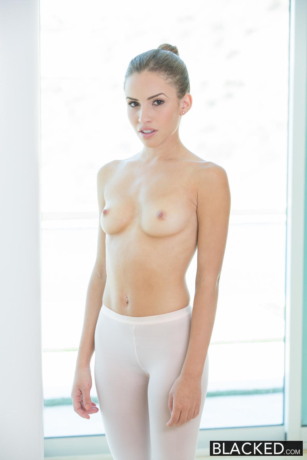 Natasha White Dancer Largie por una gran polla negra-4291