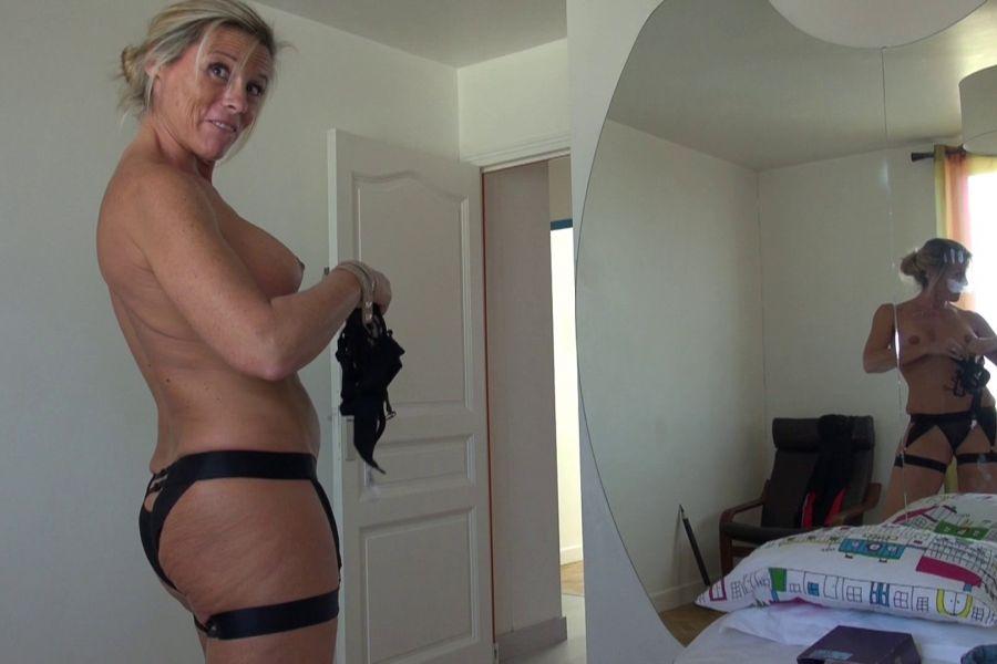 Big Booty Milf Stripper