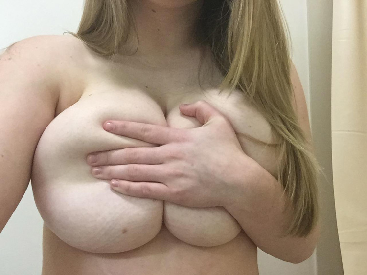 Enormes seins lourds de Sophie 2