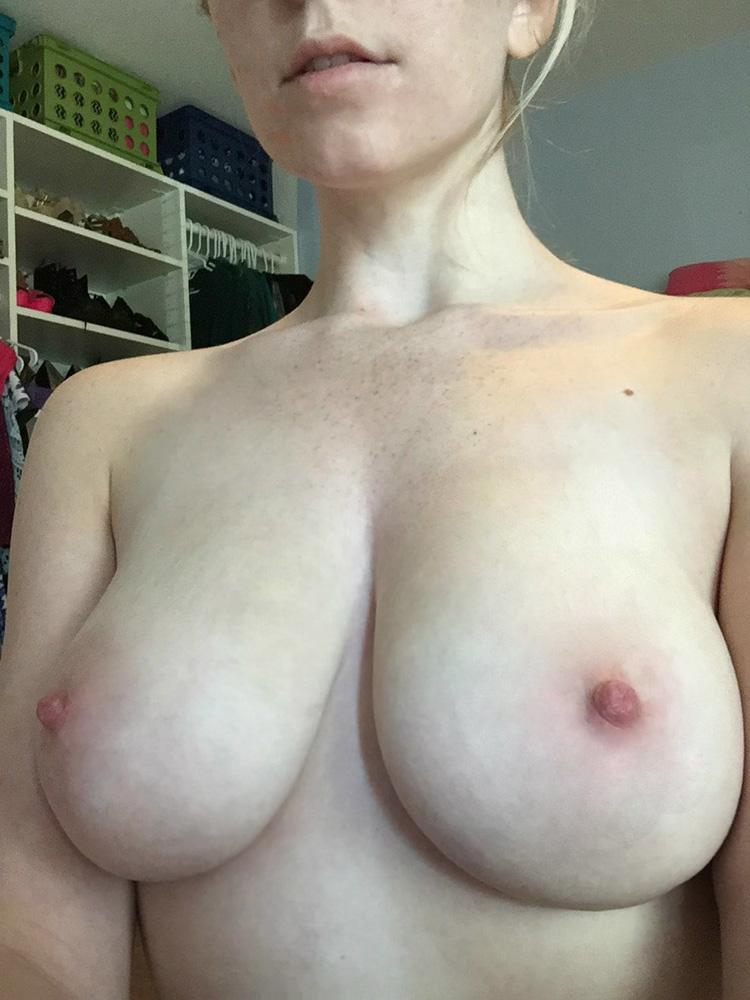 Enormes seins lourds de Sophie 3