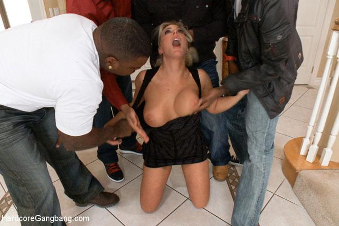 blonde blanc femme tricheurs sur mari avec noir homme